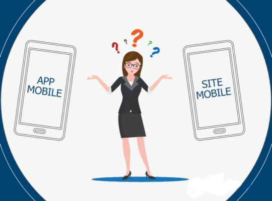 femme avec deux téléphones indiquant app mobile ou site mobile